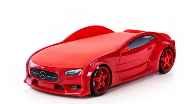 Mercedes red